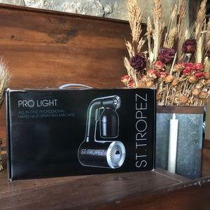 ST. TROPEZ TANNING ESSENTIALS Pro Light